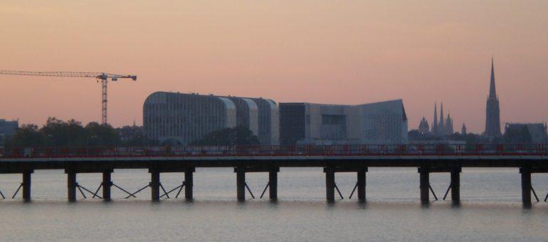 Avant le 15 août, Bordeaux Métropole empêchée de faire le pont Simone-Veil