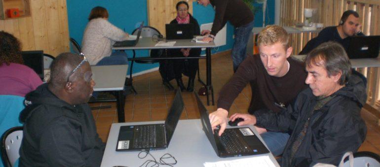 Emmaüs Connect cherche des bénévoles pour endiguer l'illectronisme
