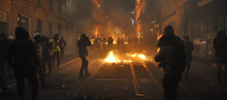 foto de Six scènes de l'acte 4 des Gilets jaunes à Bordeaux