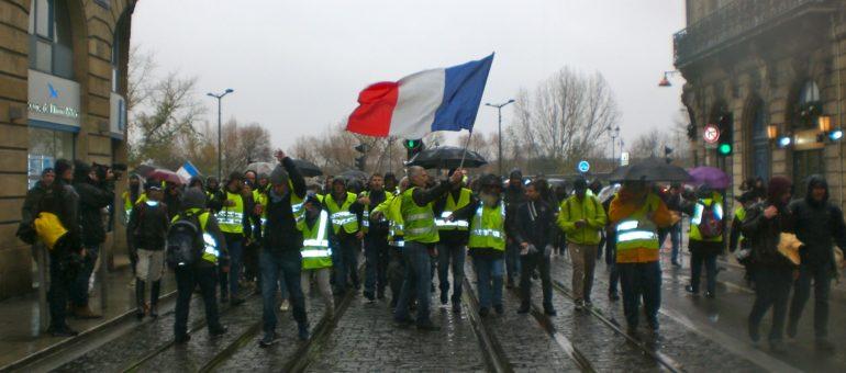 Les Gilets jaunes s'invitent dans les débats du conseil municipal de Bordeaux