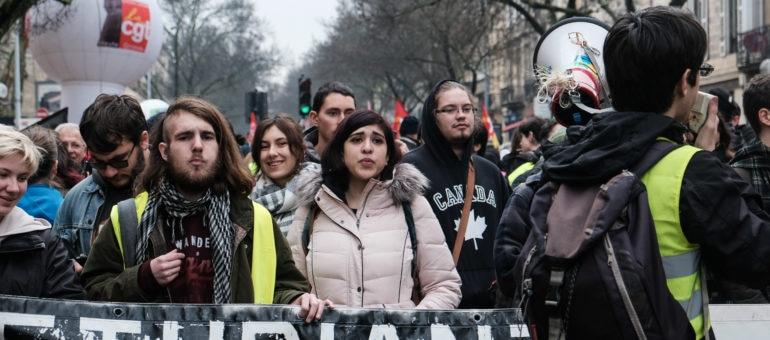 Etudiants, syndicalistes et Gilets jaunes ont manifesté par milliers à Bordeaux