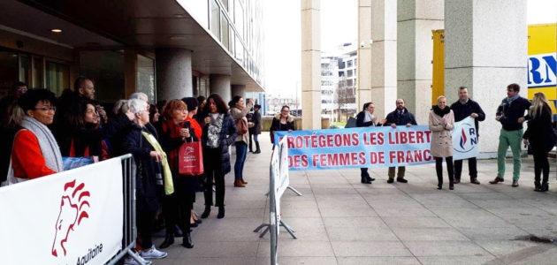 A Bordeaux, des élus et des militants d'extrême droite perturbent une conférence sur les femmes migrantes