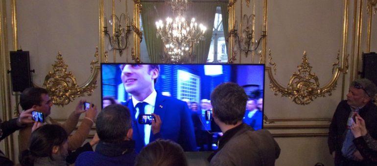 Emmanuel Macron à Bordeaux pour un Grand Débat en cercles fermés