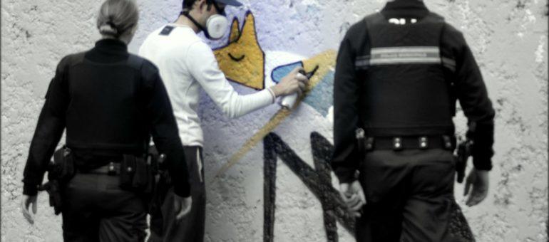 L'instant où le graffeur bordelais David Selor est pris par la patrouille
