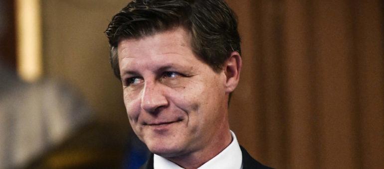 Nicolas Florian a cumulé indemnités d'élu et allocations chômage