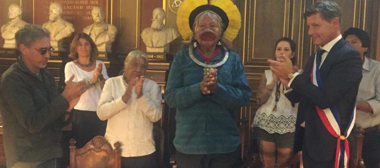 Le vibrant appel du chef Raoni à Bordeaux pour sauver l'Amazonie et ses peuples