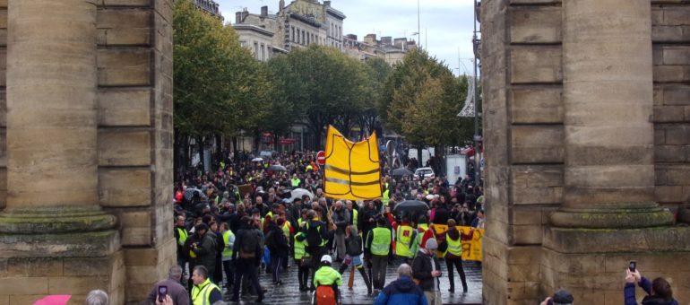 Des Gilets jaunes loin d'être essoufflés pour leur première bougie à Bordeaux