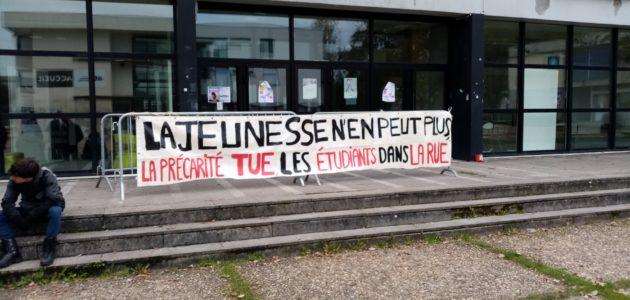 A Bordeaux-Montaigne, des étudiants bloquent la fac pour dénoncer la précarité