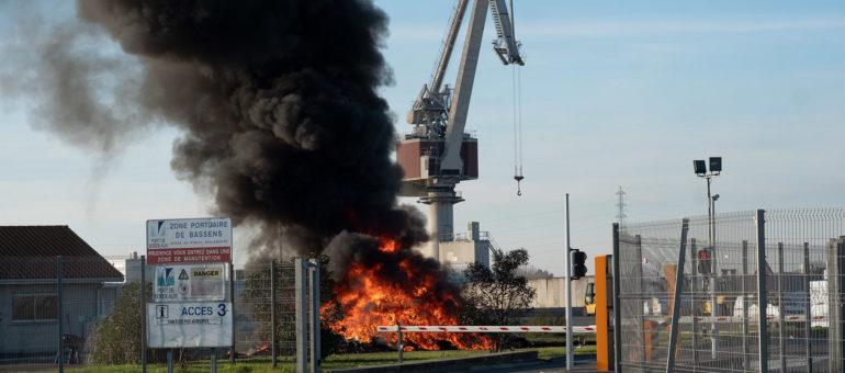 Sur la zone portuaire de Bassens, syndicats et Gilets jaunes font bloc