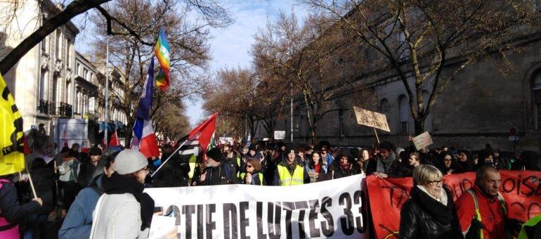 Des milliers de manifestants vent debout contre la réforme des retraites à Bordeaux