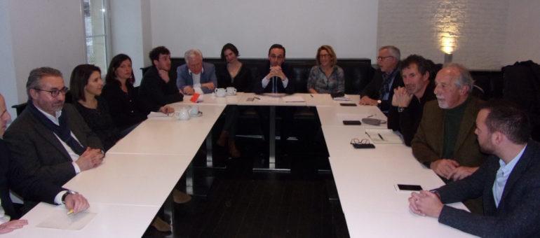 Municipales : à Bordeaux, Thomas Cazenave expose ses cadres