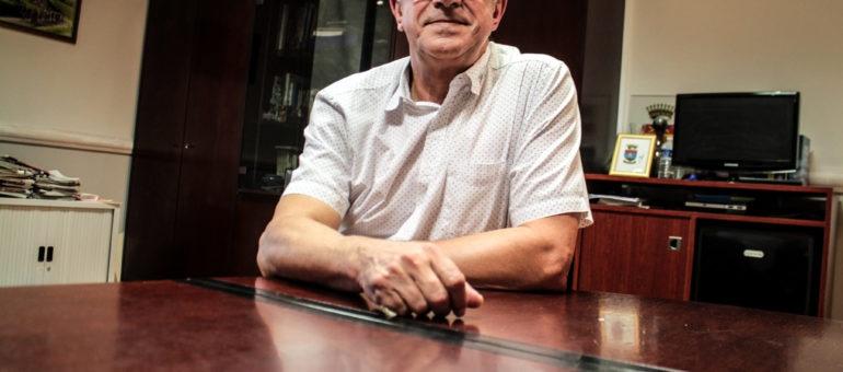 Maire depuis 25 ans de Villenave-d'Ornon, Patrick Pujol fera-t-il ses cartons ?
