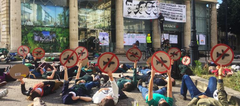 La ligne Bordeaux-Orly dans le pif des militants pour le climat