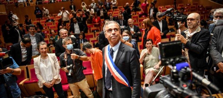 Officiellement maire de Bordeaux, Pierre Hurmic indique le cap