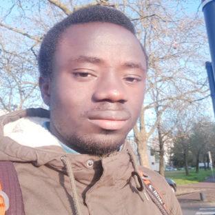 Menacé de mort en Guinée, réfugié à Bordeaux, le journaliste Marcel Tolno craint d'être expulsé