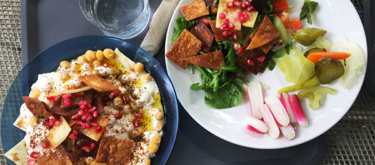 Khuzama, Syrienne d'Alep, en cuisine au Garage Moderne