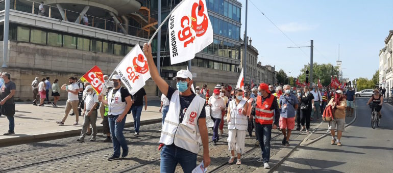 Une manif sur fond d'alerte pour l'emploi à Bordeaux