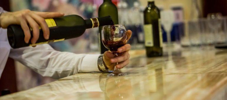 Pesticides dans des vins certifiés HVE : le verre à moitié plein ou à moitié vide?