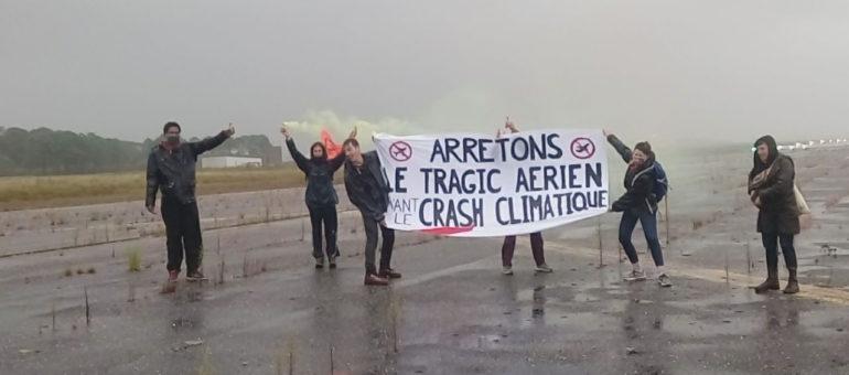 Sept militants risquent cinq ans de prison pour avoir marché sur l'aéroport de Bordeaux Mérignac