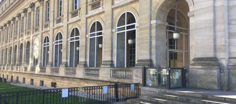 La terrasse fermée du restaurant d'Etchebest au Grand Théâtre pas du goût des défenseurs du patrimoine