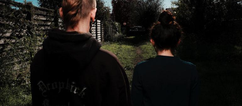 Deux ans après son agression par un policier, Cyd demande justice