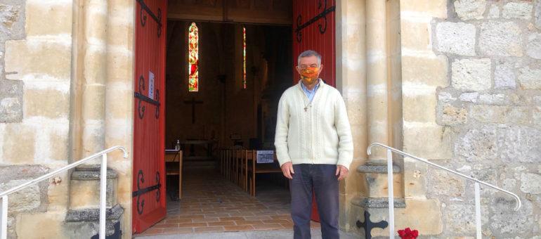 Philippe d'Halluin, «curé débordé» pour 816 euros par mois