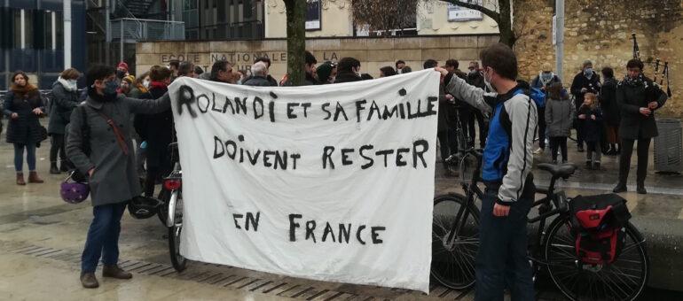 La préfecture de la Gironde maintient l'expulsion de Rolandi, une décision «indigne» pour ses soutiens