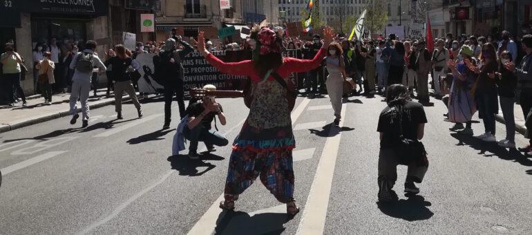 2000 personnes à Bordeaux pour exiger une «vraie loi climat»