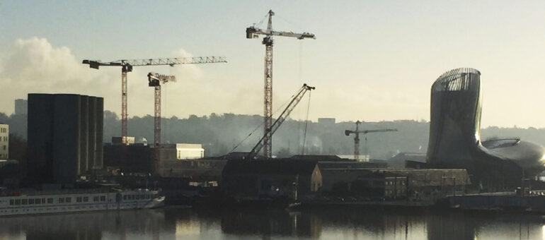 «Construire, mais construire autrement», plaide le maire de Bordeaux
