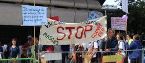 Covid-19 : ces médecins et citoyens qui contestent les préconisations sanitaires en Gironde