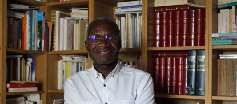De Brazzaville à Bordeaux, le poète et psy Gabriel Okoundji en quête de sens