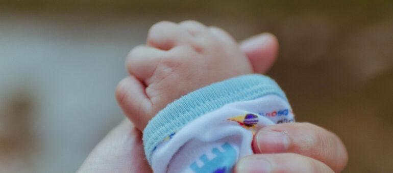 PMA : première reconnaissance conjointe de l'enfant d'un couple de femmes à Bordeaux