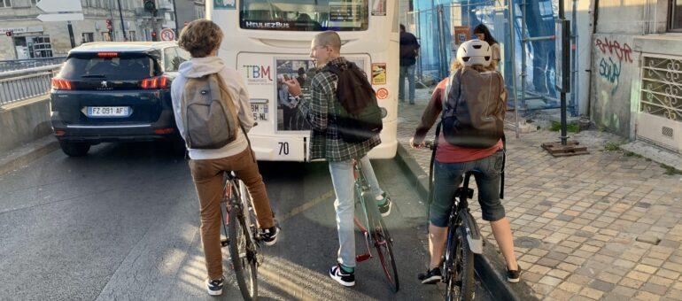 Transports en commun et déplacements doux : TBM veut améliorer la cohabitation